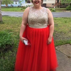 Prom dress (plus size)